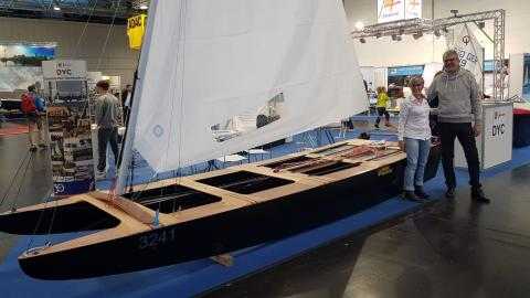 Meritxell Cornudella junto al presidente del Düsseldorf Yacht Club